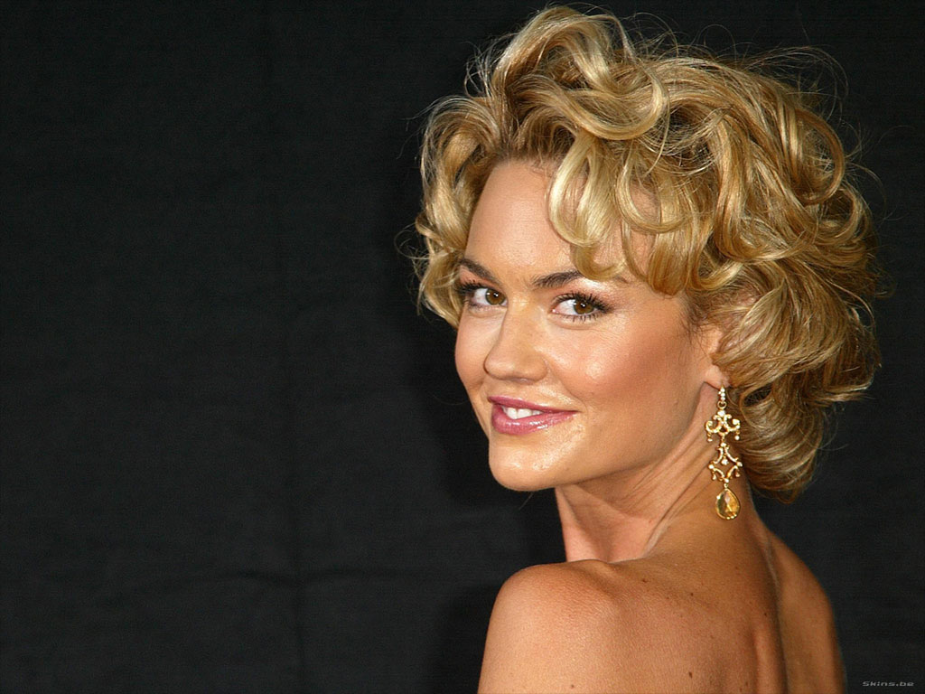 Kelly Carlson - Images